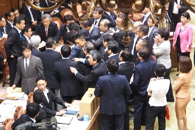 議事堂」を「採決堂」にするな-安保法案強行採決 | しなたけし(衆議院 ...